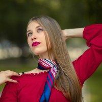 Красный портрет :: Vladimir Voronoff