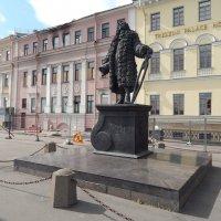 Памятник Трезини. :: Виктор Егорович