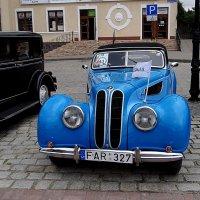 Ретро автомобиль. :: Антонина Гугаева