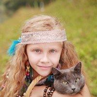 Девочка с кошкой :: Римма Алеева