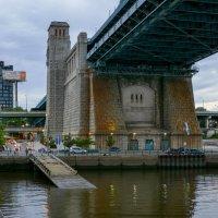 Одна из опор моста Б.Франклина в г.Филадельфия :: Юрий Поляков