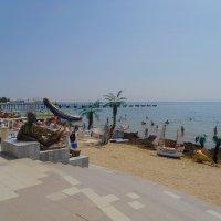 Геракл и пляжники :: Александр Рыжов