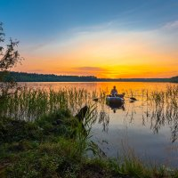 Закат на лесном озере :: Борис Устюжанин