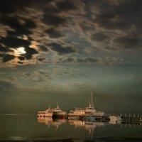Лунная ночь на Черном море :: Александр Довгий