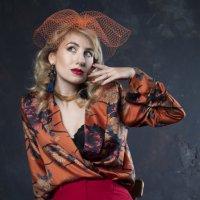 Студийный портрет в оранжевых тонах :: Валерия Васильева