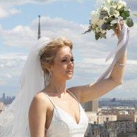 Портрет невесты на крыше небоскреба :: Валерия Васильева