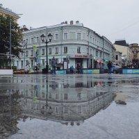 Москва. В городе дождь. Кузнецкий мост. :: Надежда Лаптева