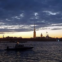 Петропавловская крепость на закате :: Ольга И