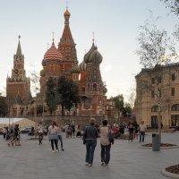 Прогулка по Москве :: Евгений Седов
