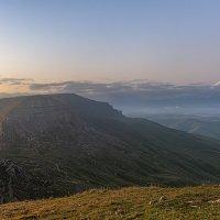 Горы Малый Бермамыт (2643 м) и Эльбрус (5642м) :: Аnatoly Gaponenko