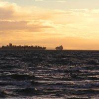 Морской пейзаж :: Юрий Кирьянов
