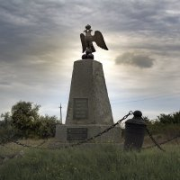 На поле брани. Севастополь, памятник Киевским гусарам :: BD Колесников