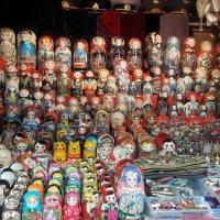 Сувенирная лавка на Красной площади. :: веселов михаил