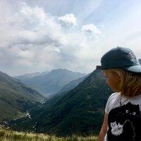 Вид с горы Чегет :: Наталья Панова