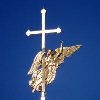 Ангел на шпиле Петропавловского собора :: Ольга И