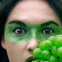 виноградная девочка :: Оля Минакова