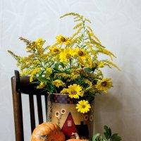 Скоро осень, за окнами август... :: Лидия Суюрова