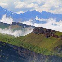 Отроги Большого Кавказского хребта :: Дмитрий Назаренко