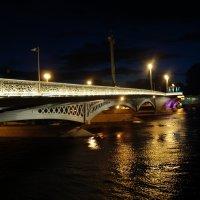 Мосты еще не развели :: Yuliya Yugina
