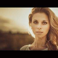 Осеннее солнце в ее волосах :: Сергей Пилтник