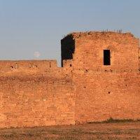 Стены Аккерманской крепости под луной :: Анастасия Едакова