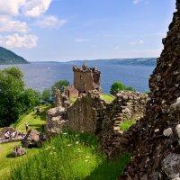 Замок Уркхарт (Urquhart Castle) из серии ЗАМКИ ВЕЛИКОБРИТАНИИ :: Олег Неугодников