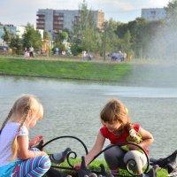 Дети и голуби :: юрий Амосов