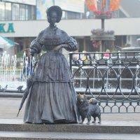 Дама с собачкой (скульптура) :: Nonna