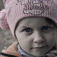 Серьёзная девчушка :: Андрей Дыдыкин