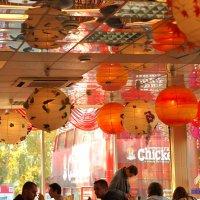 Шары в кафе :: Григорий Азатян