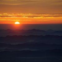Восход солнца над Налычевской долиной. Камчатка :: Ivan Kozlov
