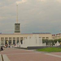 Площадь у Финляндского вокзала :: Олег Попков