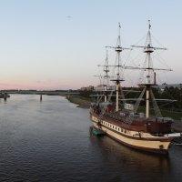 Корабль Фрегат Флагман, ресторанный комплекс на Волхове :: Олег Фролов