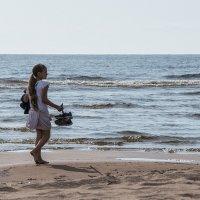 Оставляя следы на песке... :: VL