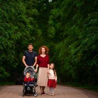 Семейная прогулка :: Фролов Фролов