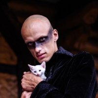 Мужчина с котенком :: Valentina Zaytseva