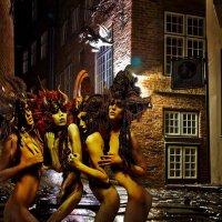 Полночь , город во власти Тьмы :: irina Schwarzer