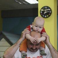 -Деда, я устал на тебе кататься... :: Ольга Русакова