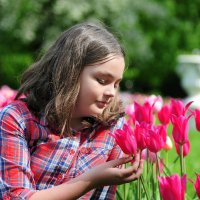 все вокруг цветет и пахнет! :: Любовь Миргородская