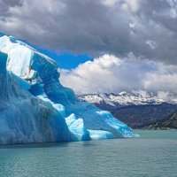 В стране синих айсбергов... :: Владимир Жданов