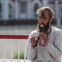 Мужчина с дудочкой :: Алексей Петропавловский