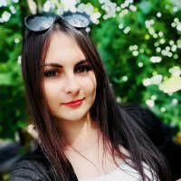 Девушка в парке* :: Ирина Кишеева