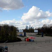 На горизонте Москва-сити :: Валерий