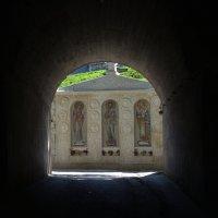 Вход в монастырь :: Наталья Покацкая