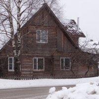 деревянный домик в деревне :: Sabina