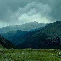 Погодка портится. Скалистые горы. Штат Колорадо :: Юрий Поляков