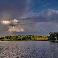 Пробивалась радуга сквозь ливень :: Лара Симонова