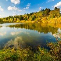 Осеннее озеро :: Сергей Винтовкин