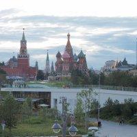 Москва вечером :: Евгений Седов
