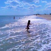 Бегущая по волнам! :: Юлия Закопайло